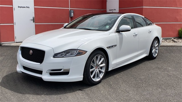 New 2019 Jaguar XJ R-Sport With Navigation & AWD