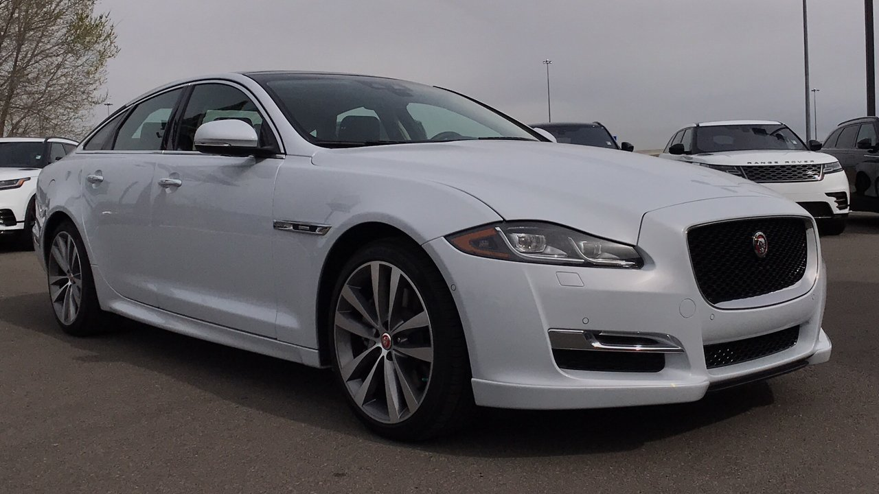 new 2018 jaguar xj xj r sport 4dr car in reno j6322. Black Bedroom Furniture Sets. Home Design Ideas